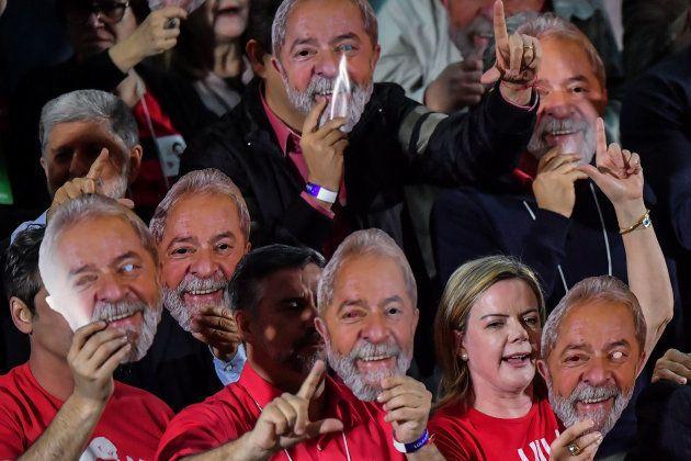 Au Brésil, Lula officiellement candidat à l'élection présidentielle depuis sa