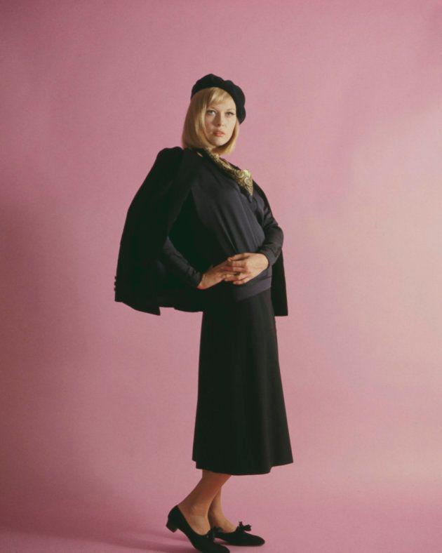 L'actrice, habillée en Bonnie Parker pour le film Bonnie and Clyde en 1967.