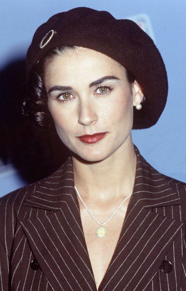 L'actrice et son béret lors d'une soirée vers 1992.
