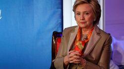 Clinton dans une mauvaise passe pour avoir refusé de renvoyer un conseiller accusé de