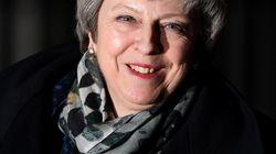 Theresa May remporte le vote de défiance organisé contre