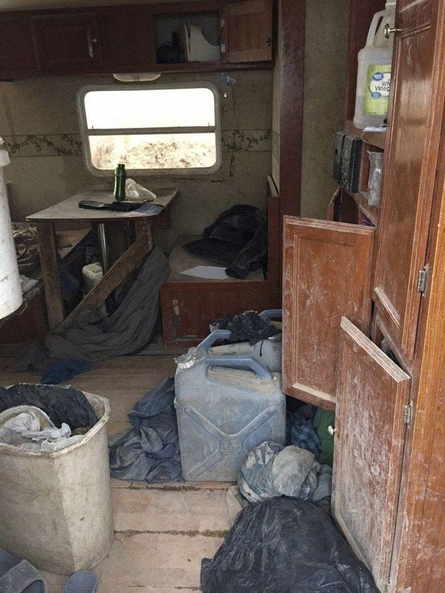 L'intérieur de la caravane dans laquelle ont été retrouvés les 11