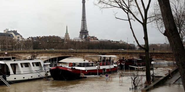 La fermeture du RER C dans Paris à cause de la crue va se prolonger jusqu'au 5 février