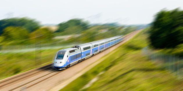 Une balle traverse la vitre d'un TGV et se fiche dans un appui-tête (photo
