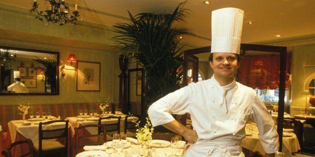 Comment Joël Robuchon est devenu chef cuisinier alors qu'il se destinait à la