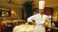 Comment Robuchon est devenu chef cuisinier alors qu'il se destinait à la
