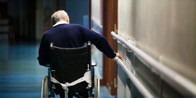 Dans les EHPAD, la souffrance des patients et des soignants témoigne de l'incompétence du