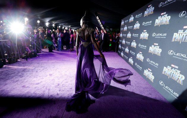Lupita Nyong'o fait sensation sur le purple carpet de