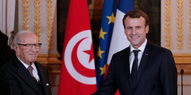 Emmanuel Macron en compagnie de son homologue tunisien, Beji Caid Essebsi, à l'Elysée le 11 décembre