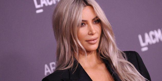 À l'inverse de Kim Kardashian, mieux vaut ne pas abuser des produits à base de rétinol. (Kim Kardashian, janvier 2018)