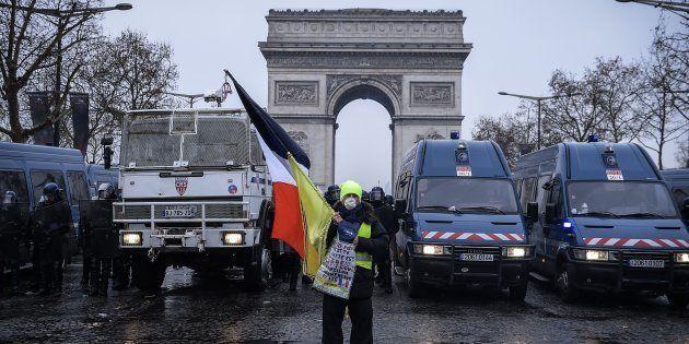 L'échec de l'acte V des gilets jaunes offre un bref répit à Macron (photo d'illustration d'un manifestant...