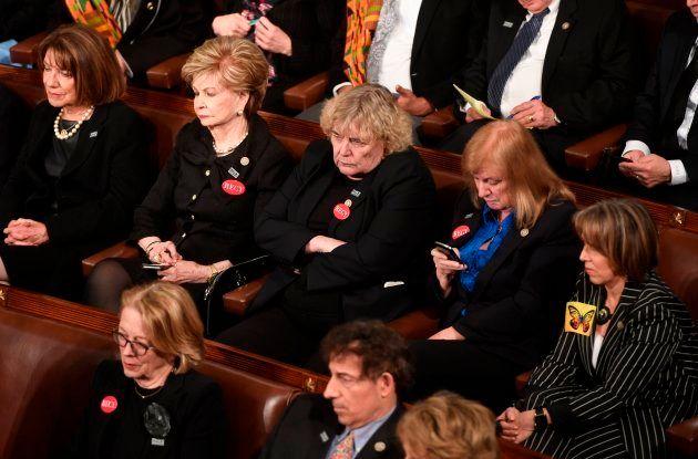 Devant le Congrès, Donald Trump se pose en rassembleur après une année