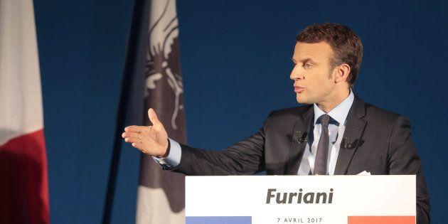 Emmanuel Macron lors de son déplacement en Corse pendant la campagne