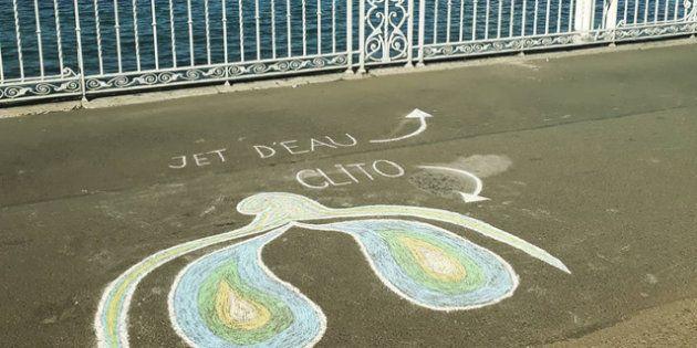 Le clitoris dessiné par les deux étudiantes, sur le sol du Jardin Anglais à Genève,