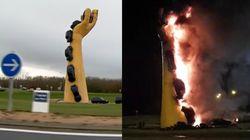 Une sculpture devenue symbole des gilets jaunes s'embrase à