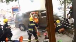 À Shanghai, une camionnette prend feu et renverse des piétons, 18