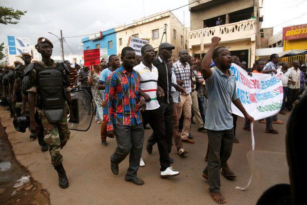 Au Mali, les citoyens aux urnes pour élire leur président lors d'un second tour sous
