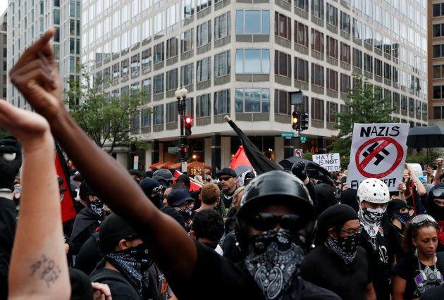 À Washington, le rassemblement de suprémacistes fait flop, éclipsé par les