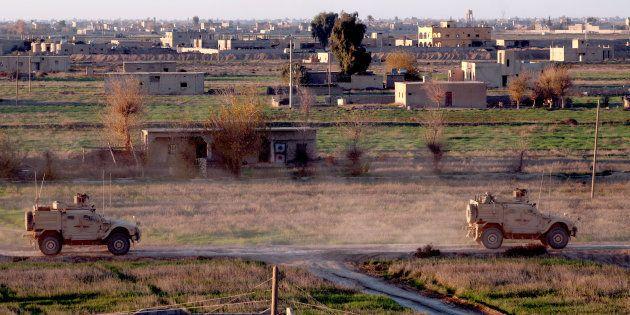 Des véhicules de l'armée américaine dans la province de Deir Ezzor dans l'est de la Syrie le 15 décembre