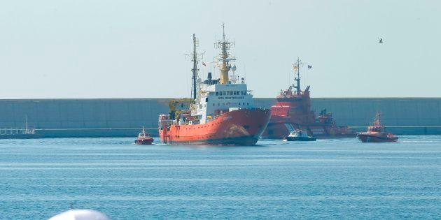 L'Aquarius entrant dans le port de Valence en Espagne le 17 juin