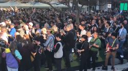 457 guitaristes jouent