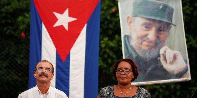 Des cubains participent à un débat public sur la nouvelle constitution du pays à La Havane, le 13 août