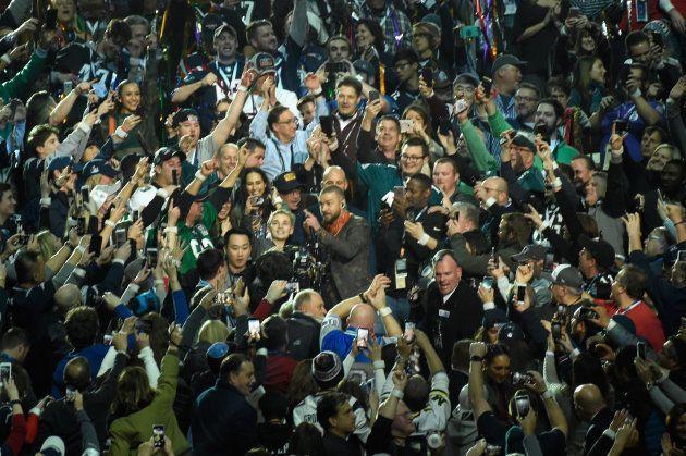 Super Bowl: Justin Timberlake rend hommage à Prince à la