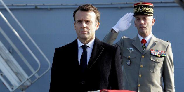 Emmanuel Macron lors des voeux aux armées sur le Dixmude à Toulon, le 19