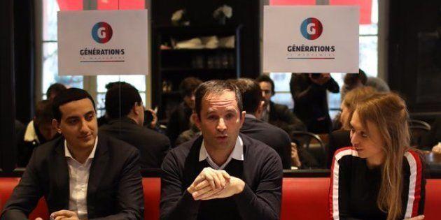 Benoît Hamon a présenté l'organigramme de son mouvement entouré de ses porte-parole Ali Rabeh et Aurore
