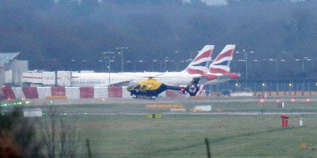 L'aéroport de Gatwick annonce sa réouverture (Photo prise à l'aéroport londonien de Gatwick le 20 décembre