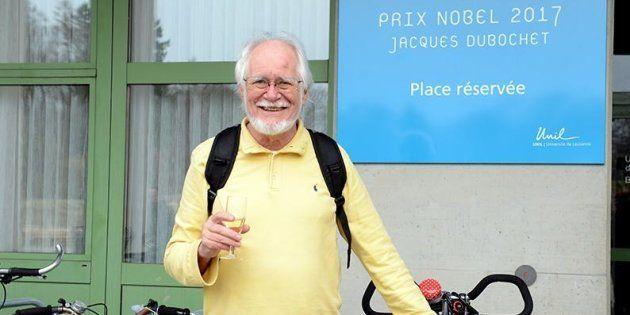 Le prix Nobel Jacques Dubochet a carrément une place de vélo