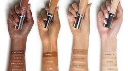 Cette marque de cosmétiques est accusée d'avoir retouché une paume de main pour qu'elle paraisse