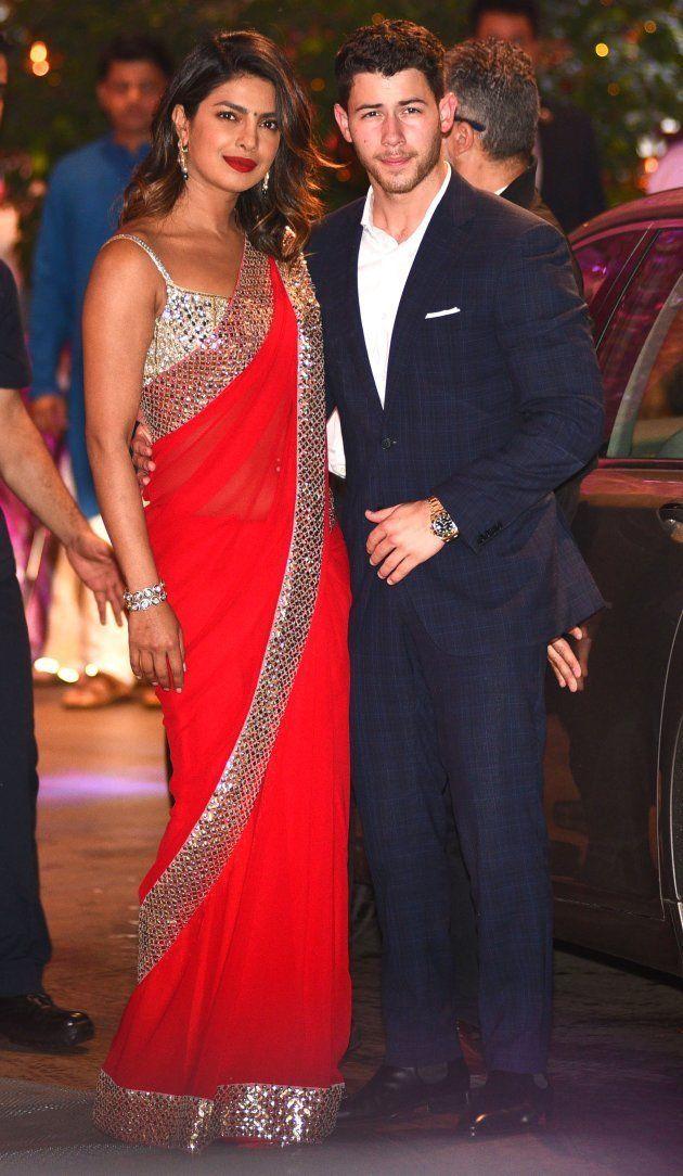 Priyanka Chopra et Nick Jonas arrivent le 28 juin 2018 à Bombay, lors de la soirée de pré-mariage de...