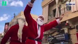 Au Liban, des pères et mères Noël dansent la