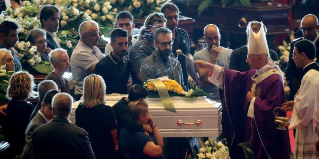 Effondrement du pont Morandi à Gênes: des funérailles d'Etat marquées par l'émotion et les