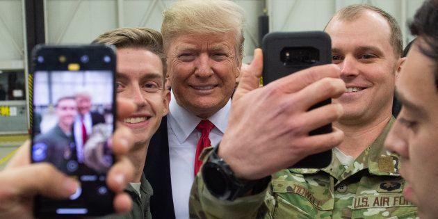 Donald Trump lors d'une visite à la base américaine de Ramstein en Allemagne, le 27 décembre