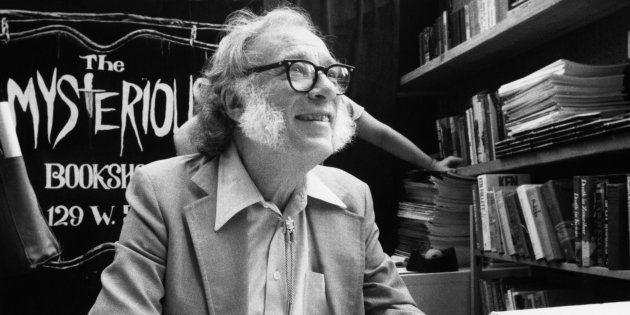 Isaac Asimov, deux mois après avoir publié ses prédictions pour 2019, en février