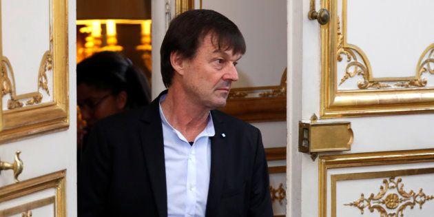 Plainte pour viol contre Nicolas Hulot: le parquet précise que le classement sans suite est lié à la