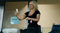 Pamela Anderson se confie comme rarement sur Adil
