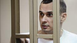 Le cinéaste ukrainien Oleg Sentsov, détenu en Russie, atteint son 100e jour de grève de la