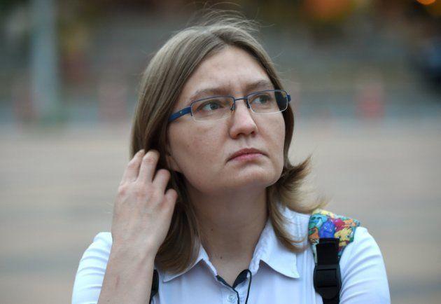 La cousine d'Oleg Sentsov, Natalia Kaplan, lors d'une interview avec