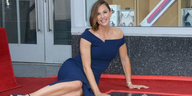 Jennifer Garner a inauguré son étoile sur le Walk of Fame d'Hollywood Boulevard ce lundi 20