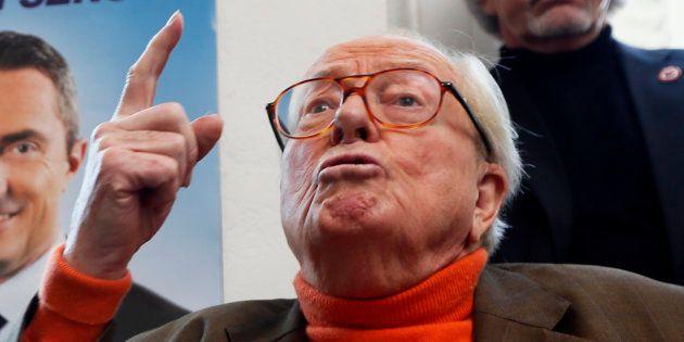 Le Pen menace d'aller au congrès du FN en recourant