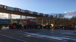 L'autoroute A10 bloquée par les agriculteurs près de