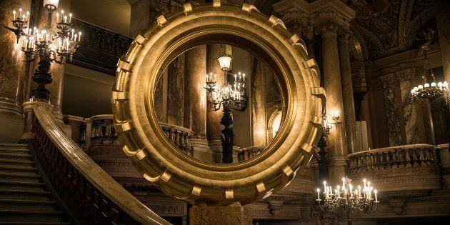 Ces pneus dorés dans l'opéra Garnier hérissent les poils de