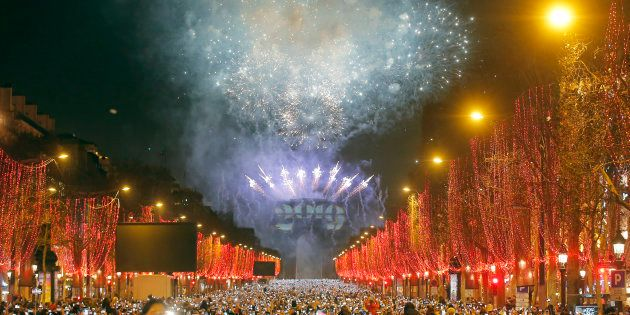 Image des Champs-Elysées lors du réveillon du nouvel an