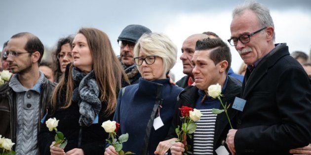 La famille d'Alexia Daval (Grégory Gay est le premier à gauche) lors d'une marche silencieuse à Gray...