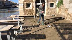 La Seine se retire: il nous montre son bar envahi par la