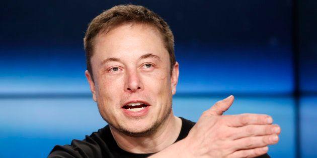 Elon Musk annonce que Tesla restera (finalement) cotée en
