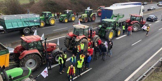 Les blocages par les agriculteurs se sont multipliés en France ce mardi 13 février